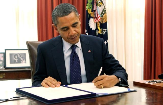 Obama_Signing